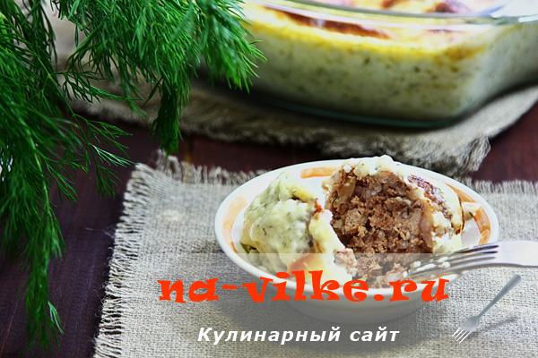 Тефтели в сметанном соусе, запечённые в духовке