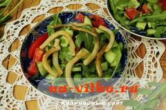 salat-iz-ovoshey-i-kalmarov-08