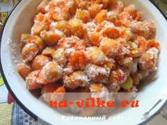 varenie-abrikosovoe-v-multi-06
