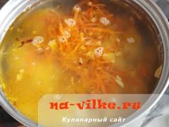 sup-s-lisichkami-i-frikadelkami-06