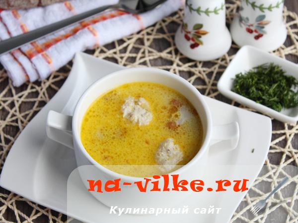 Суп с лисичками и фрикадельками