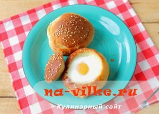 Булочки, запеченные в мультиварке с яйцом