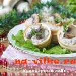 Тарталетки, фаршированные паштетом из жареных грибов