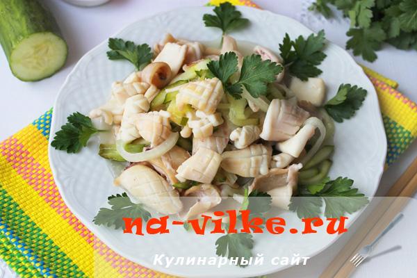 Филе кальмаров, жареное с овощами