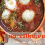 Красный домашний борщ с мягкими галушками и свининой