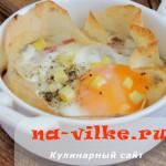Готовим необычную яичницу в тарелке из лаваша