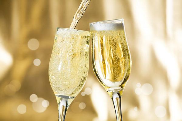 Как выбрать хорошее настоящее шампанское