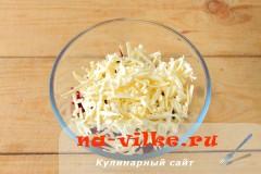 salat-iz-svekly-s-syrom-3