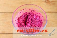 salat-iz-svekly-s-syrom-6