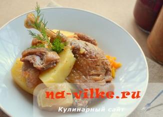 Рагу с мясом утки и картофелем
