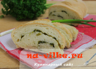 Рецепт домашнего хлеба с начинкой из чеснока и зелени
