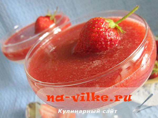 Домашняя панна-котта с ягодами клубники