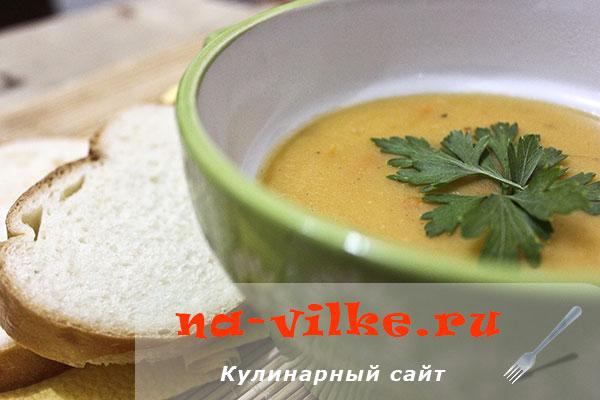 Пикантный суп-пюре из чечевицы в мультиварке – быстро и вкусно