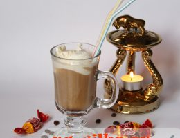 Кофе глясе (coffee glacé) с мороженым