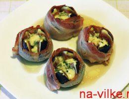 Инжир с сыром и беконом