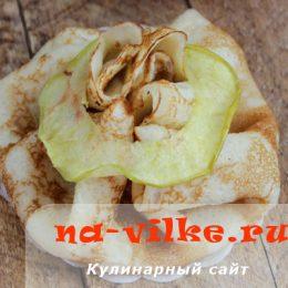 Блины с яблочной начинкой
