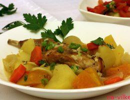 Кролик тушеный с овощами
