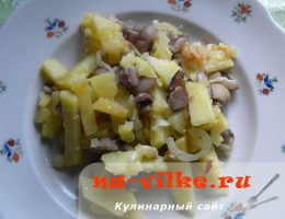 Картошка жареная с маслятами