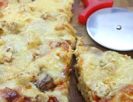 Пицца на толстом дрожжевом тесте