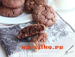 Приготовление рассыпчатого шоколадного печенья с орехами