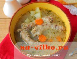 Вкусный суп из куриных шеек и манной крупы