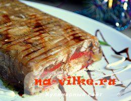 Домашнее заливное из мяса кролика, овощей и пряностей