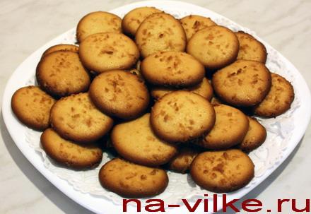 Яичное печенье с кокосовой стружкой