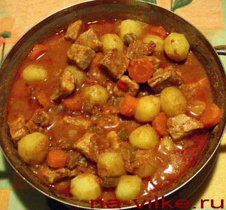 Свинина в соусе с картофелем