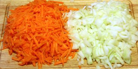 Лук и морковь для обжаривания