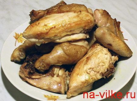 Обжаренные куски курицы