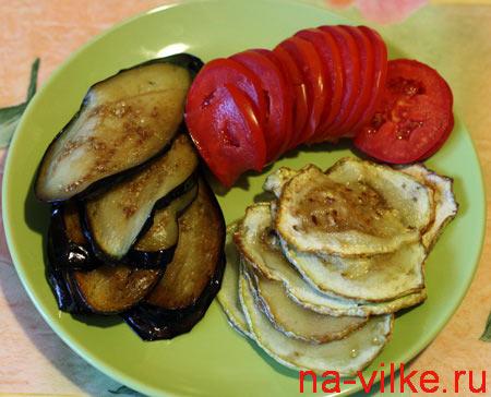 Баклажан, кабачок и помидор