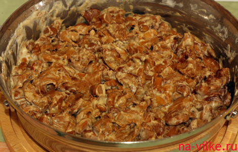 Лисички в сметане на сковородке