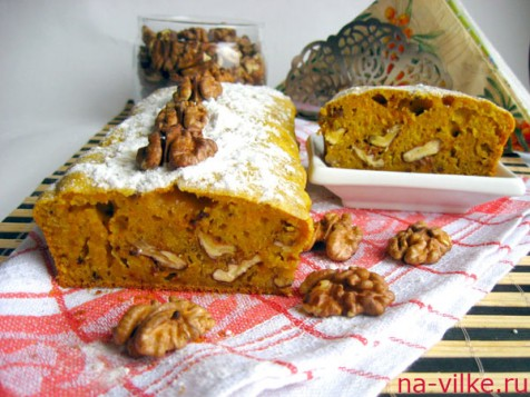 Кекс с тыквой и грецкими орехами