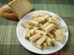 Подготовка хлеба для сухариков