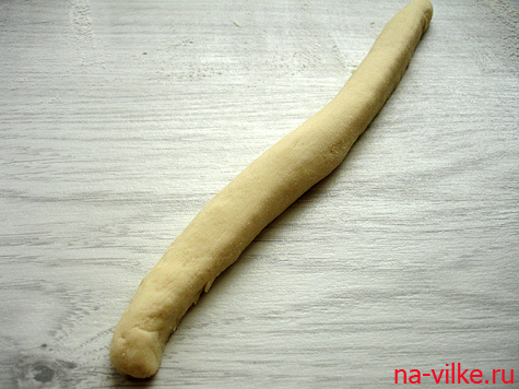 Колбаска из теста