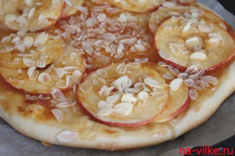 Пицца сладкая