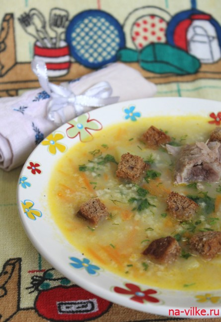 Суп с пшеном и сухариками