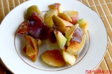 Замороженные яблоки и сливы