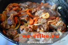 tusheniy-kartofel-so-svininoy-11