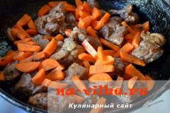 tusheniy-kartofel-so-svininoy-8