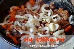 tusheniy-kartofel-so-svininoy-9