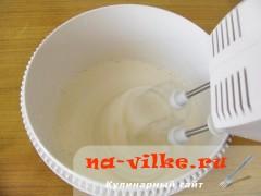 biskvitniy-pirog-s-jablokami-1