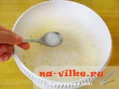 biskvitniy-pirog-s-jablokami-3