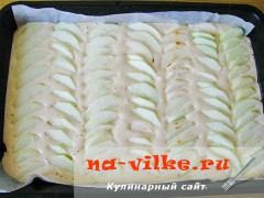 biskvitniy-pirog-s-jablokami-5