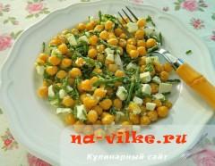 Салат из нута и брынзы с морской спаржей