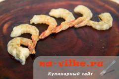 Очищенные свежие креветки