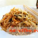 Рисовая лапша (фунчоза) с овощами и шампиньонами