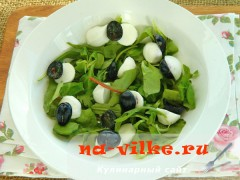 salat-s-vinogradom-syrom-4