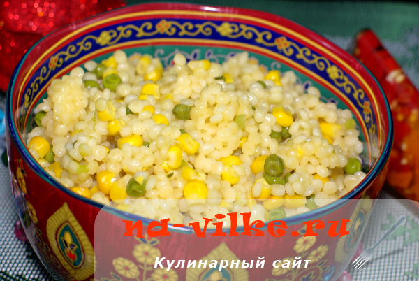 Булгур в мультиварке с кукурузой и зелёным горошком
