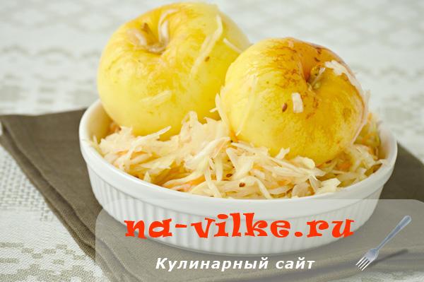 Квашеная капуста с яблоками и морковью, рецепт с фото